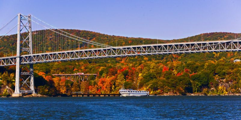 Grande Caribe on the Hudson River