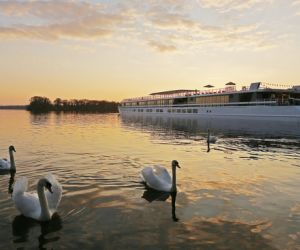 MS Elbe Princesse moored at Greenwichpromenade, Berlin