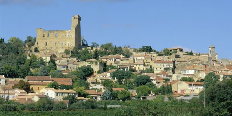 Town view of Chateauneuf du Pape