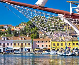 The colourful harbour of Mali Losinj